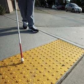 Comprar faixas de sinalização visual para degraus de escada